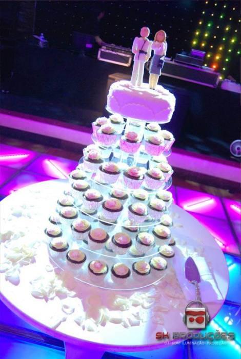 torre de cupcakes para casamento