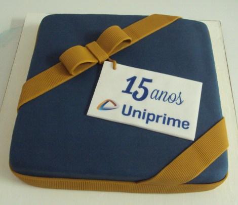 Bolo 15 anos Uniprime