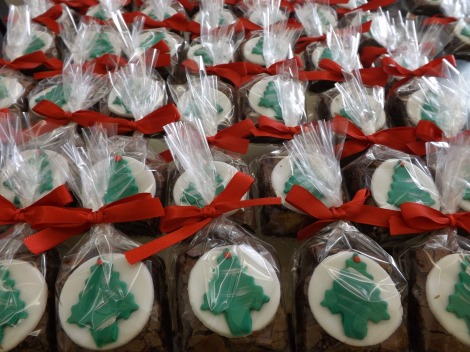 Brownies de Natal decorados e embalados individualmente
