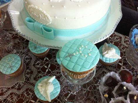 Cupcakes decorados para batizado